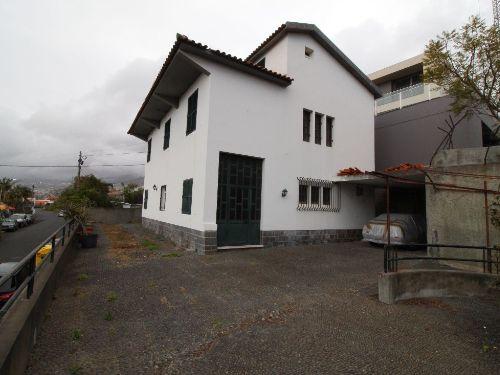 Casa/Moradia independente em Venda