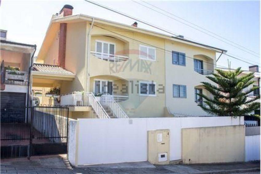 House for sale rua prazeres 242 Canelas Vila Nova de Gaia