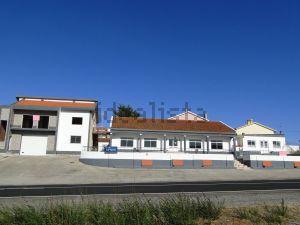 Moradia independente em Abrigada e Cabanas de Torres