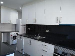 Apartamento na rua Marechal Teixeira Rebelo, 145