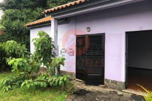 Moradia geminada na rua Professor Augusto Monjardino
