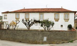 Casa de aldeia na rua de Santa Catarina, 26