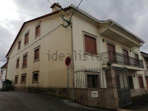 Casa de aldeia na rua Pinheiros, 122