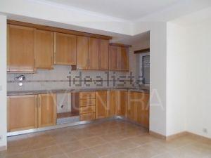 Apartamento à venda. Leiria