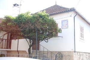Casa de aldeia na rua Portudinho, 15