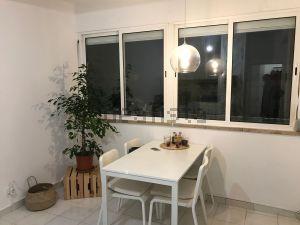 Apartamento na rua António da Costa Carvalho, 104