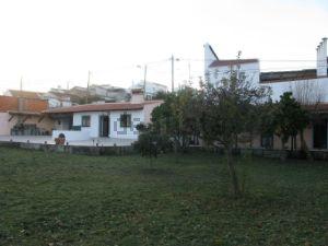 Casa de aldeia na rua do Parreiral à Machuqueira